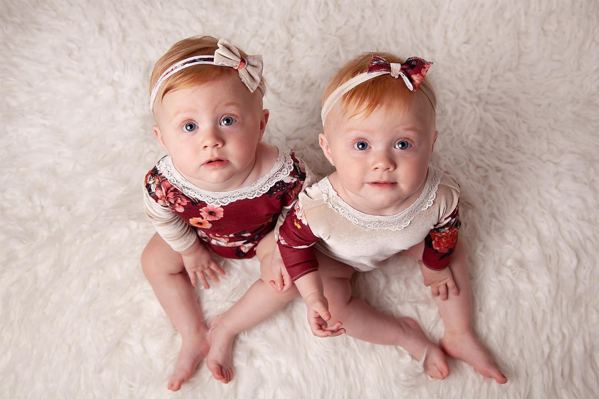 Family Photographer Shrewsbury, Baby photographer shrewsbury, twin baby girls, photographer shrewsbury