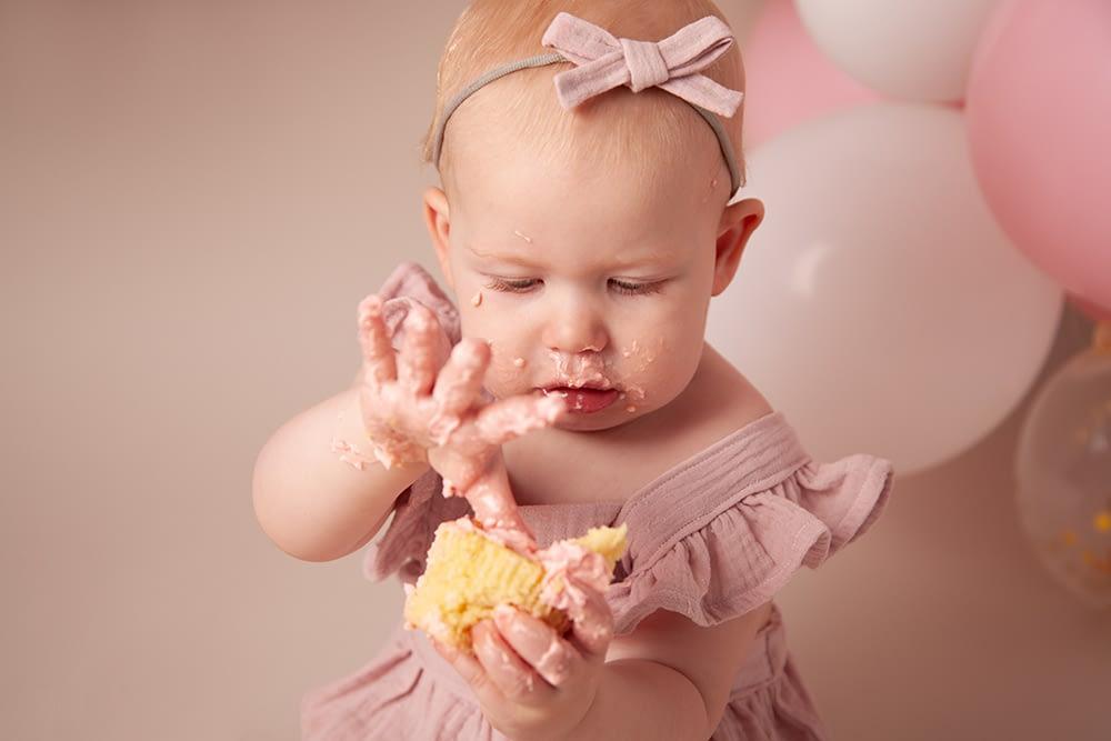 Cake smash photographer shrewsbury, baby photographer shrewsbury, baby photographer shrewsbury, photographer shrewsbury, 1st birthday shrewsbury